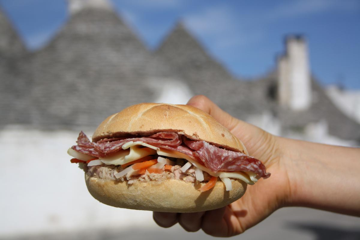 Pasqualino, the typical sandwich of Alberobello