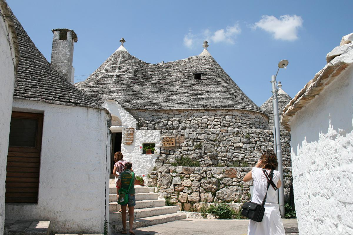 Guided tours of Alberobello